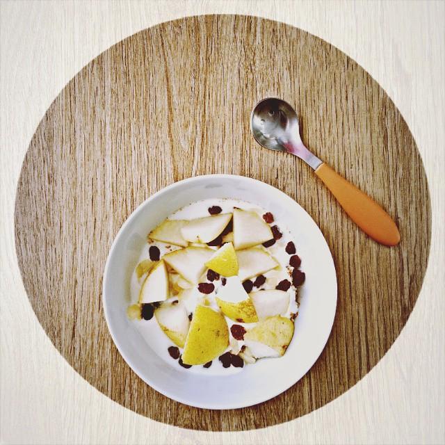 Żeby nie było, że jestem gołosłowna i piszę o zdrowym odżywianiu, a sama jem na śniadanie pyszne naleśniki z Nutellą (#omnomnom), przesyłam dowód! Ale nie obiecuję, że już nigdy ich nie zjem ;-) Na blogu post!  #obietniceblogera #bloggingisnoteasy #healthylifestyle #polishbloger #nowypost #breakfast #goodmorning