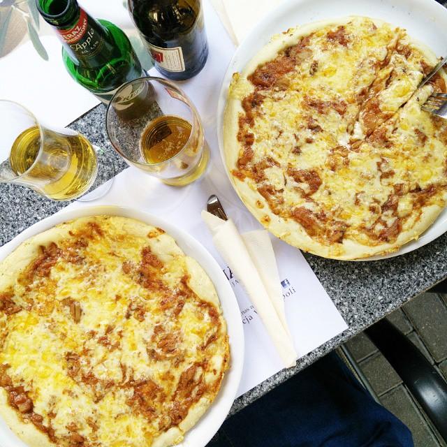 Pizza!  #dinnertime #omnomnom #weekend #jużniemogę