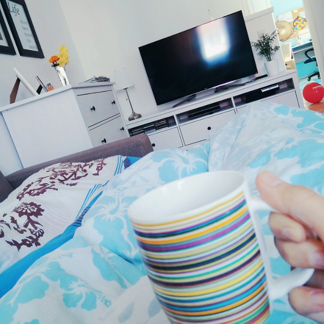 Leniwy poranek. Dzień dobry! :-) #lazymorning #saturday #weekend #coffee #goodmorning