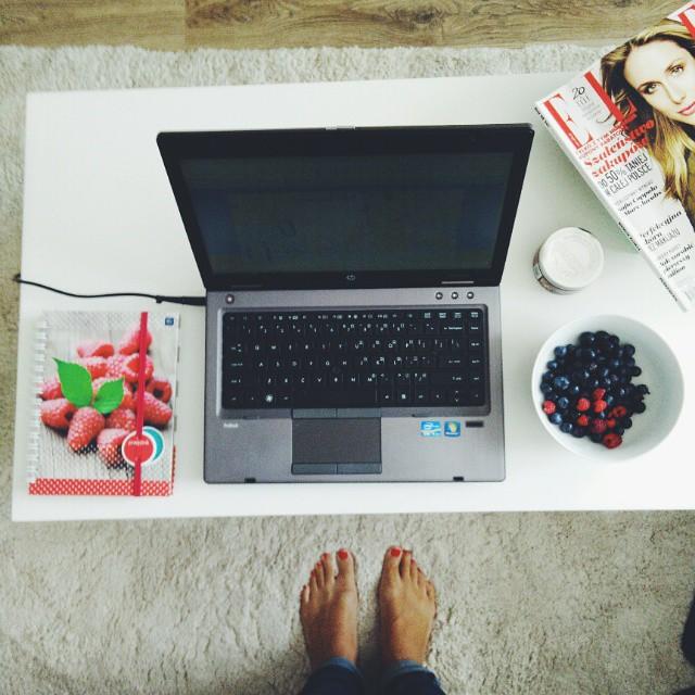 Dzisiejsze centrum dowodzenia :-) #blog #polishbloger #mojemieszkanie #homedecor #oneplusone #vscocam