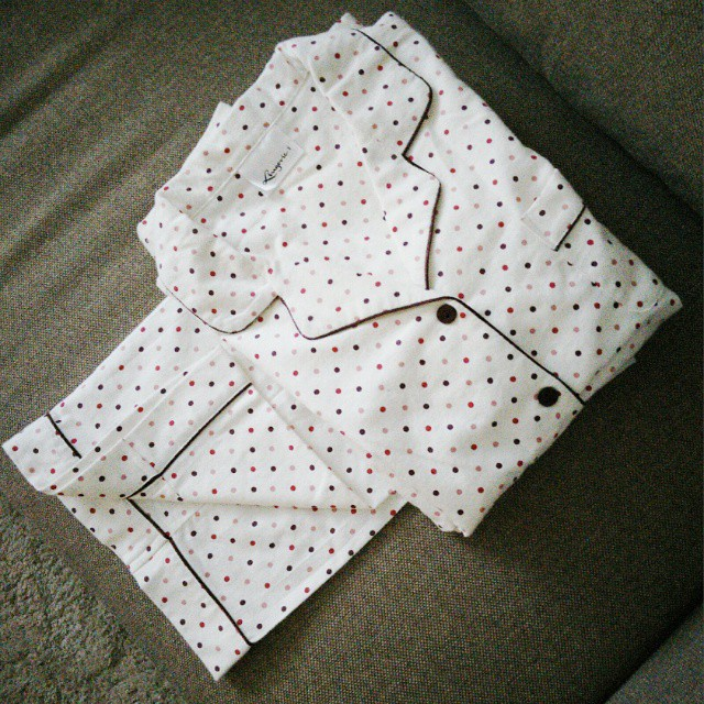 Piżamowy zakup! Idealny na leniwe poranki :-) Bawełniana, miła w dotyku, już moja ulubiona! Za całe 39,90 zł. Kocham takie zakupy!  #new #newin #c&a #shopping #idealnaszafa