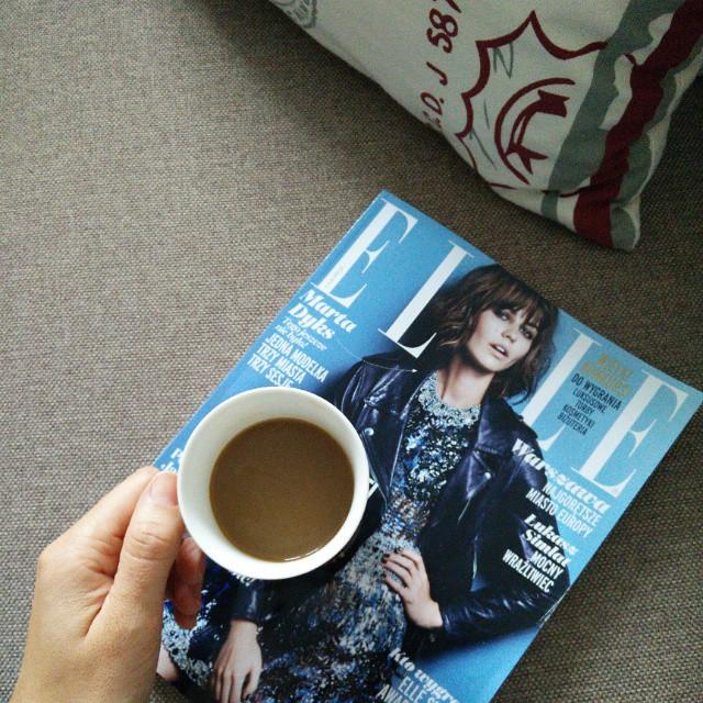 Lubię ten moment kiedy siadam z kawą i przeglądam nowe Elle. #mojeelle #freetime #relaks #coffee #coffeetime #weekend