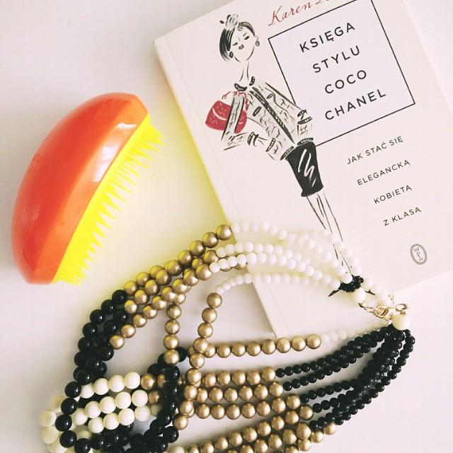 Trochę inspiracji nie zaszkodzi. W końcu skusiłam się też na słynną szczotkę #tangleteezer. Jak u Was się  sprawdza? #newin #shopping #chanel #style #tatuum
