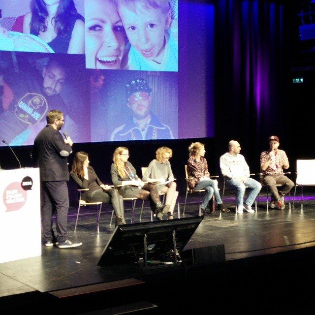 Ciekawy panel dyskusyjny na #BFGdansk z m.in. @misssaraferreira, @hatalskacom, @kominek na temat tego czy zakładać maskę na blogu, czy nie.