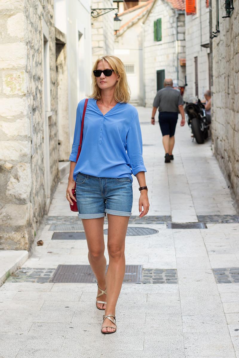 letnia-stylizacja-jeansowe-szorty