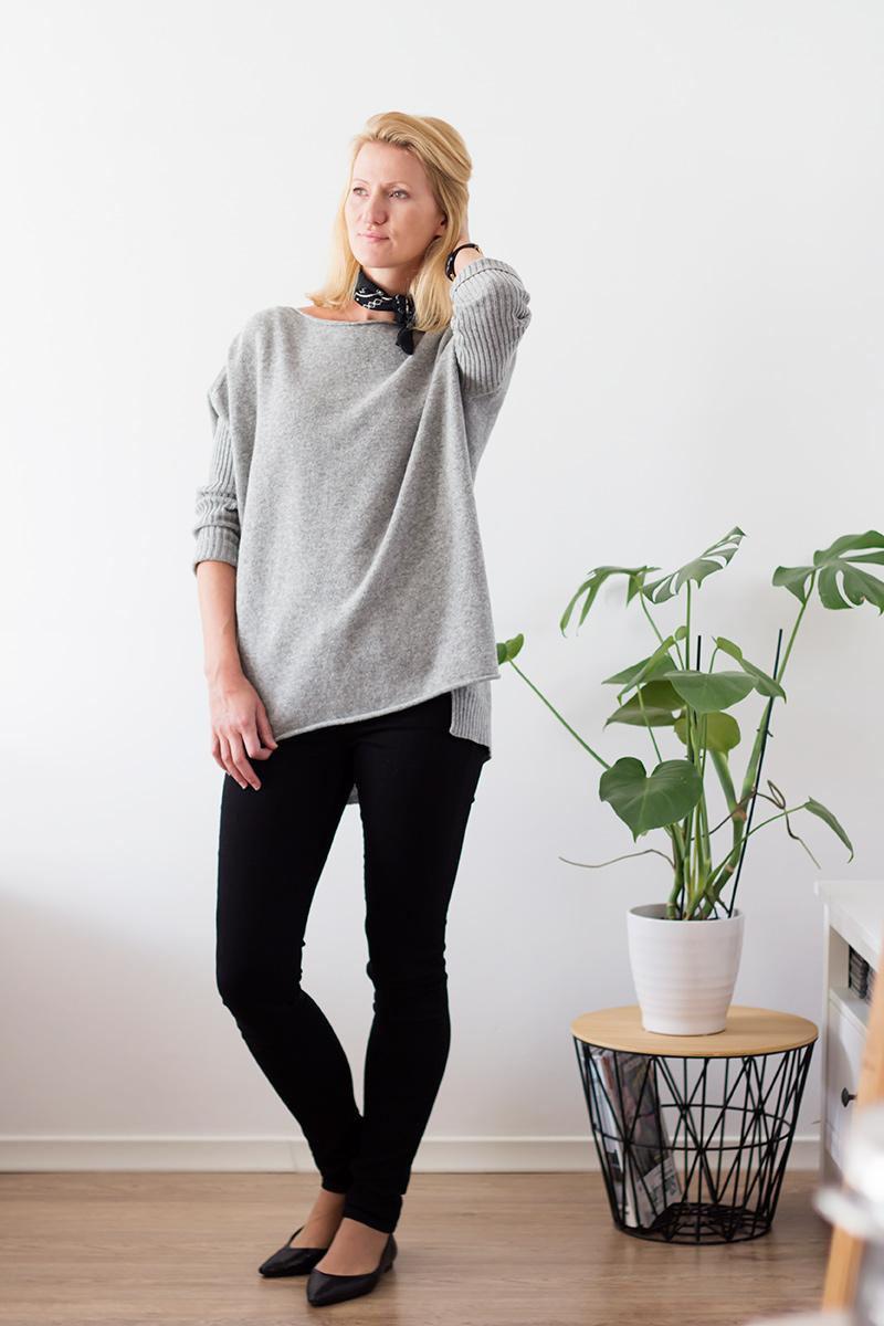 stylizacja-z-szarym-swetrem