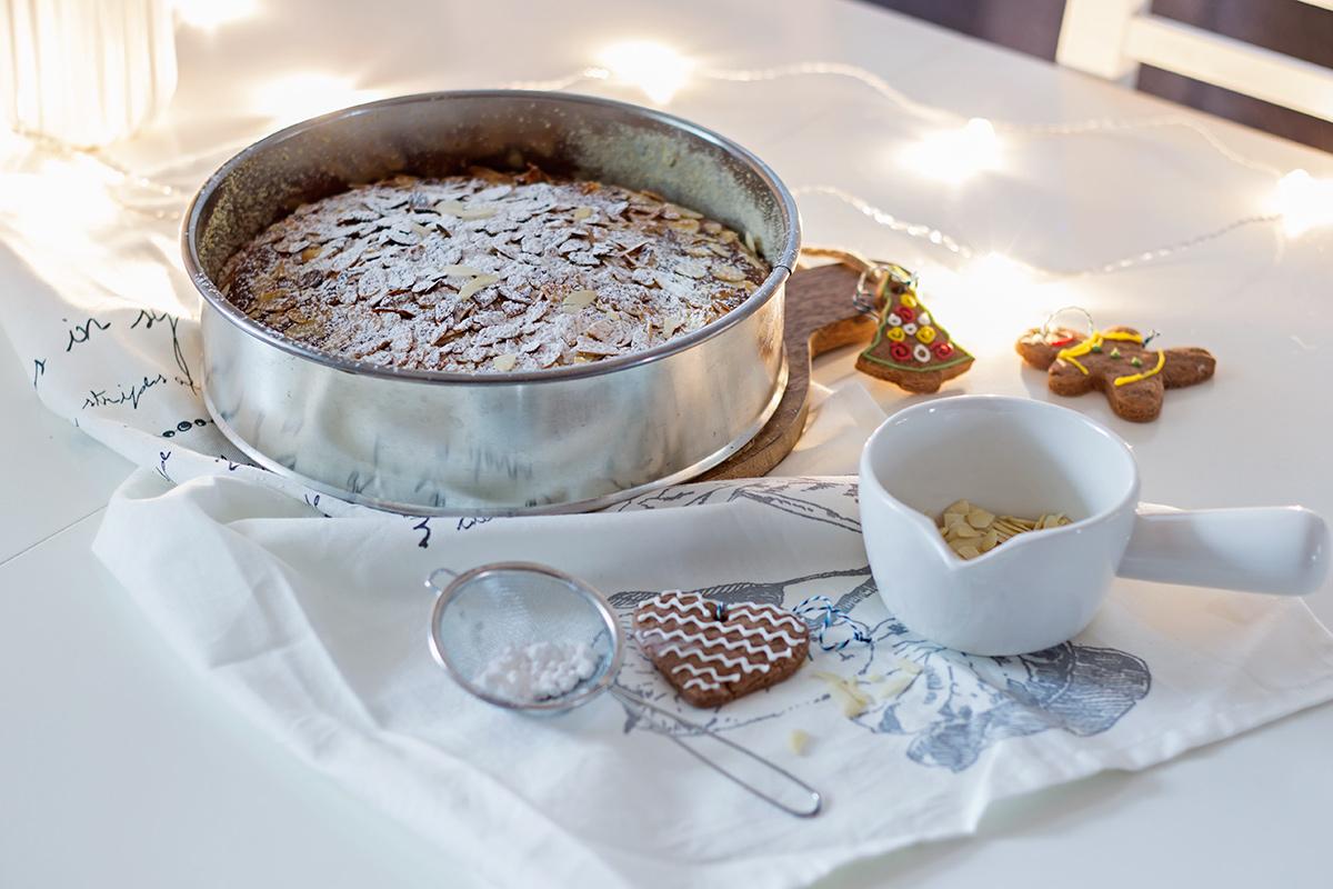 ciasto migdałowe z serkiem ricotta