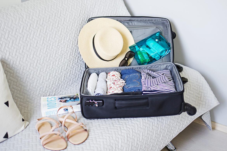 jak spakować się do bagażu podręcznego